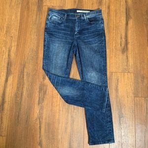 DKNY | Medium Wash Straight Leg Jeans size 6
